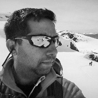 http://opensource.ae/wp-content/uploads/2016/05/Ryan-Gazder-320x320.jpg